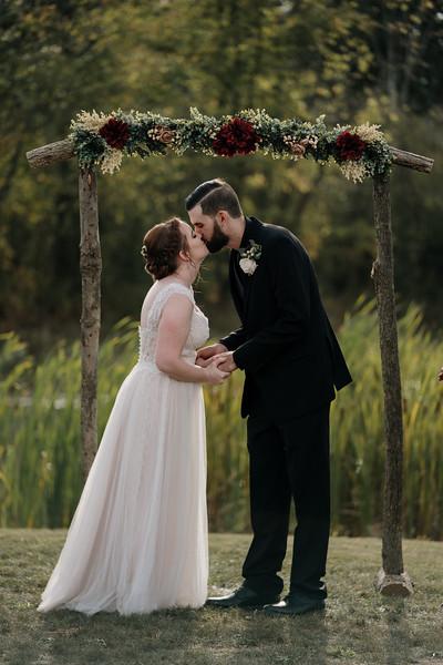 rustic_ohio__fall_barn_wedding-233.jpg