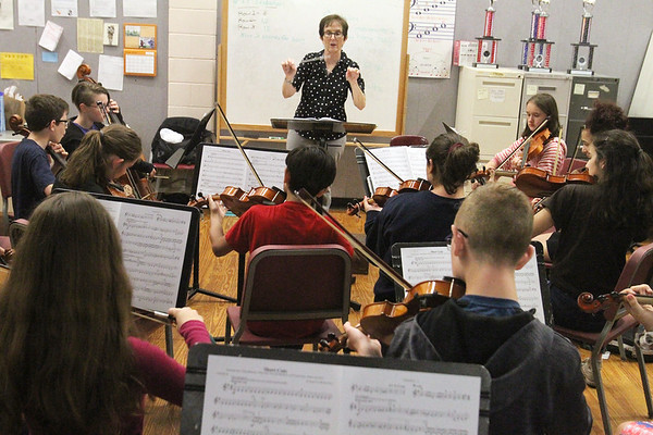 Dracut music teacher retires 061319