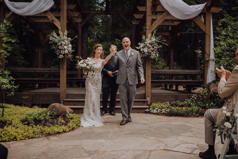 2018-05-12_ROEDER_JulieSeth_Wedding_ROEDER1_0137.jpg