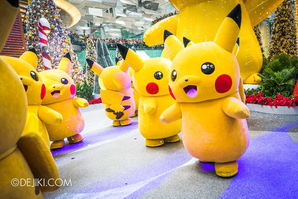 Pokémon at Changi Airport - Pikachu Parade Snow running