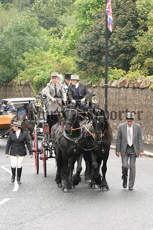 George Fawcett and his team of four lead the Markethill parade,07W35N63