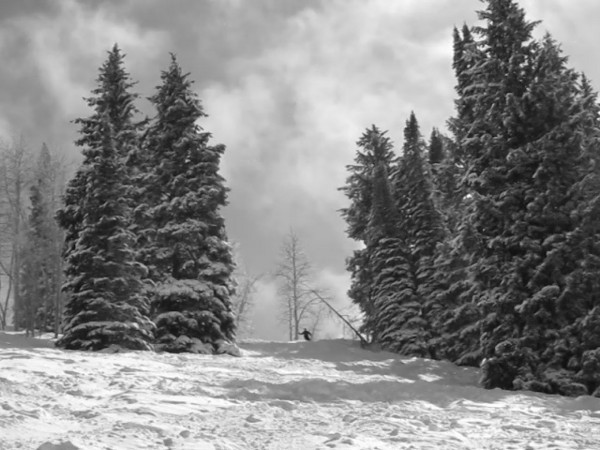 Rebecca shot this clip of Perry skiing The Pines at The Canyons the following day.  Don't know how she did it in black and white.