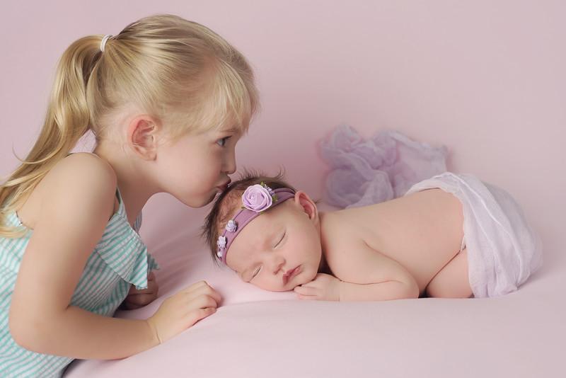 siblings-newborn-photographer_2450 Fix 2-2-2.jpg