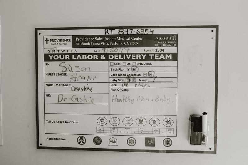 Jes_delivery_b&w-20.jpg