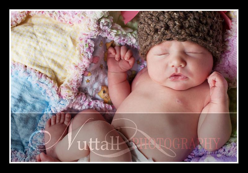 London Newborn-32.jpg