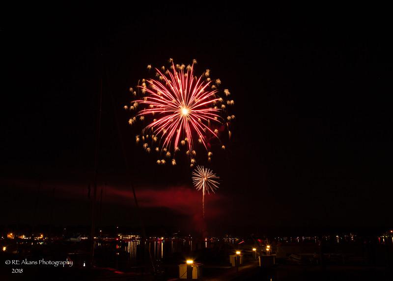 Saugatuck Fireworks 4382.jpg