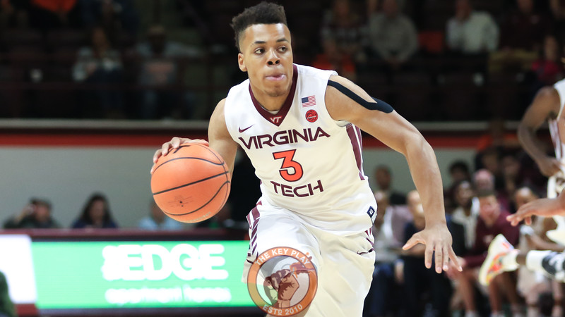 Wabissa Bede looks downcourt as he dribbles the ball in the first half. (Mark Umansky/TheKeyPlay.com)