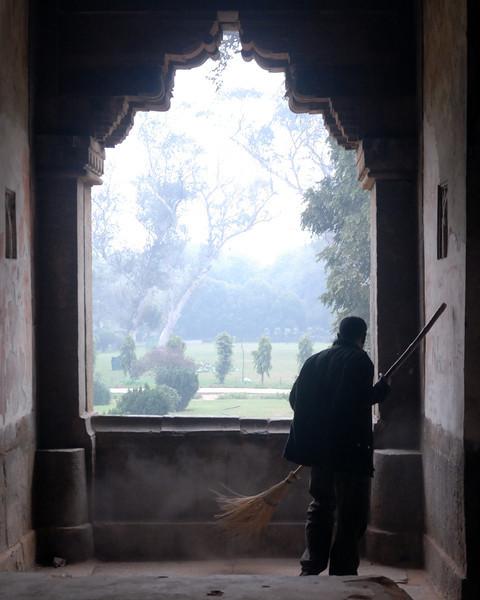 Tomb Sweeper.jpg