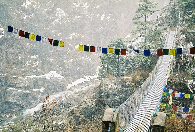 High suspension bridge over the Dudh Kosi