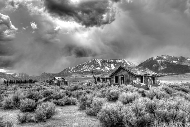 abandoned_house_coming_storm-1.jpg