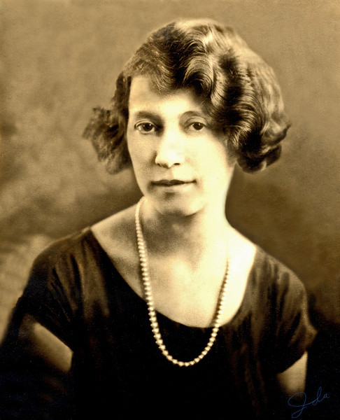 1918, St. Paul, Minnesota. Ida Barron.