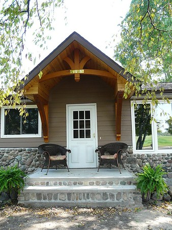 Front Porch Gable Bracket and Large Wooden Bracket