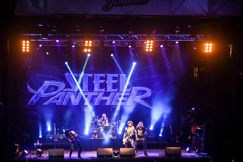 Steel Panther Jannus Live 201900267.jpg