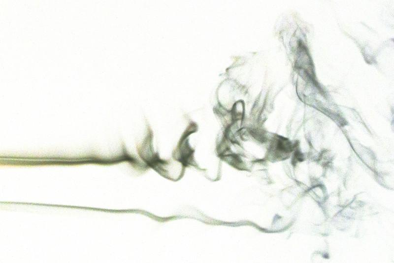 Smoke Trails 4~8589-1ni.