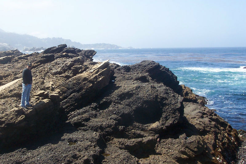 another shot of dave on the rocks.jpg