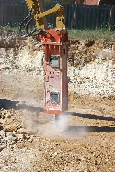 NPK E210A hydraulic hammer (2).jpg