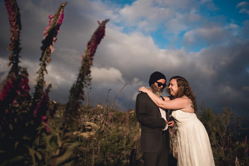 Travel Adventure Wedding Photographer - Mt Rainier - Rose-47.jpg