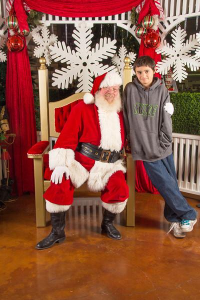 Santa 12-16-17-153.jpg