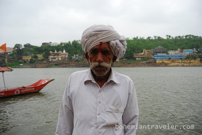 second man man at Omkareshwar ghats.jpg