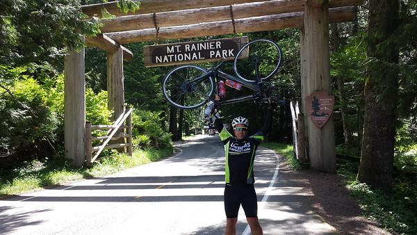 2013/06 Ride up Rainier