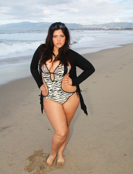 FEATURED PLUS MODEL DENISE BIDOT