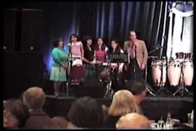 VIDEO Teeters sing at Passover 2005
