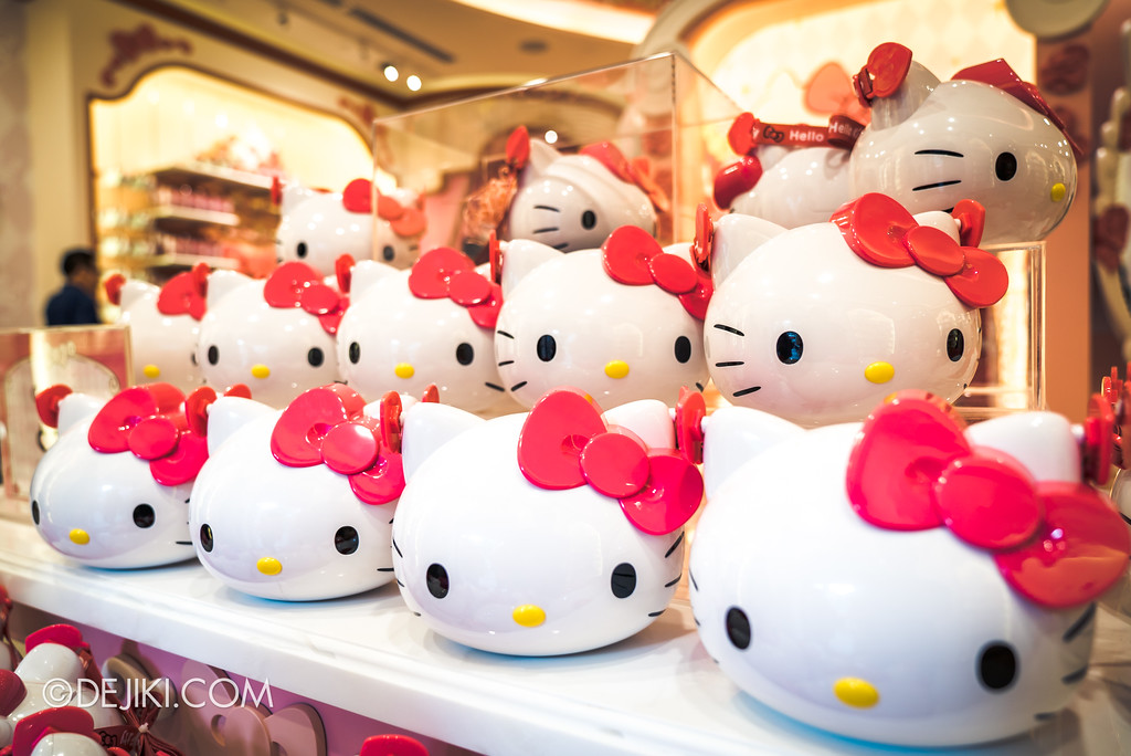 Universal Studios Singapore - Hello Kitty Studio store / popcorn bucket