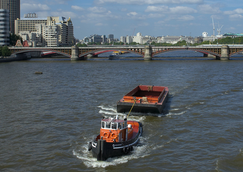EOS13179 London.jpg