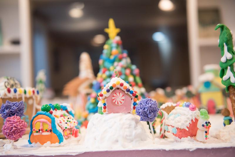 Gingerbread House-10.jpg
