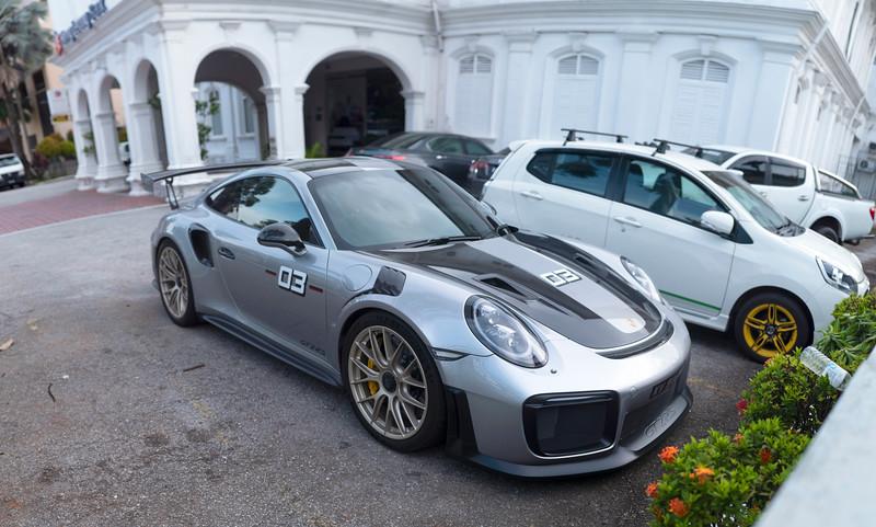 Porsche 911 GT2 RS.jpg