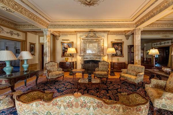 210406 Doheny Mansion