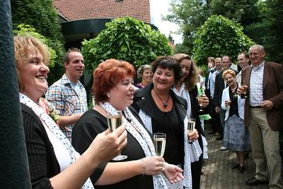2006-0616 SWAN zingt op bruiloft