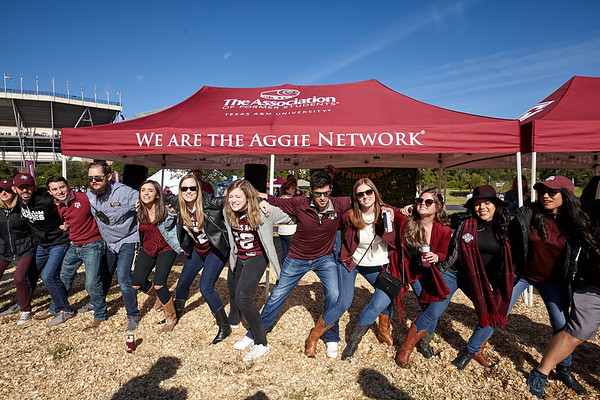 Young Alumni Weekend 2019 Tailgate
