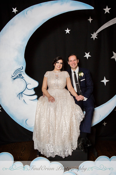 Nicole&Aaron-MoonBooth