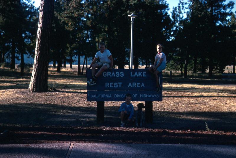 0221 - Todd, Linda, Mike (Cir. 1969).jpg