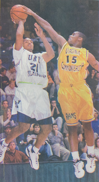 UNCW Basketball 99-00-7.jpg