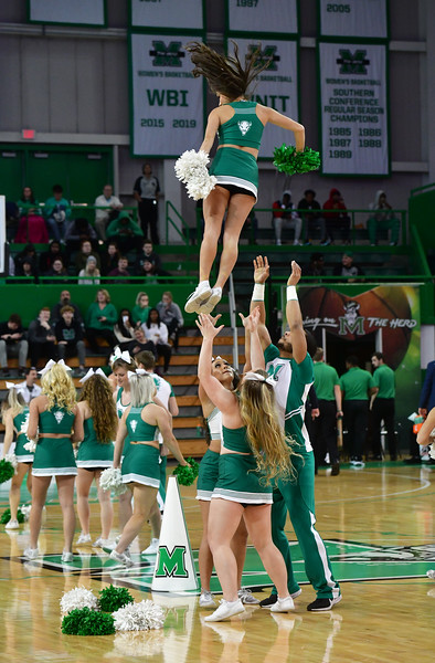 cheerleaders2650.jpg