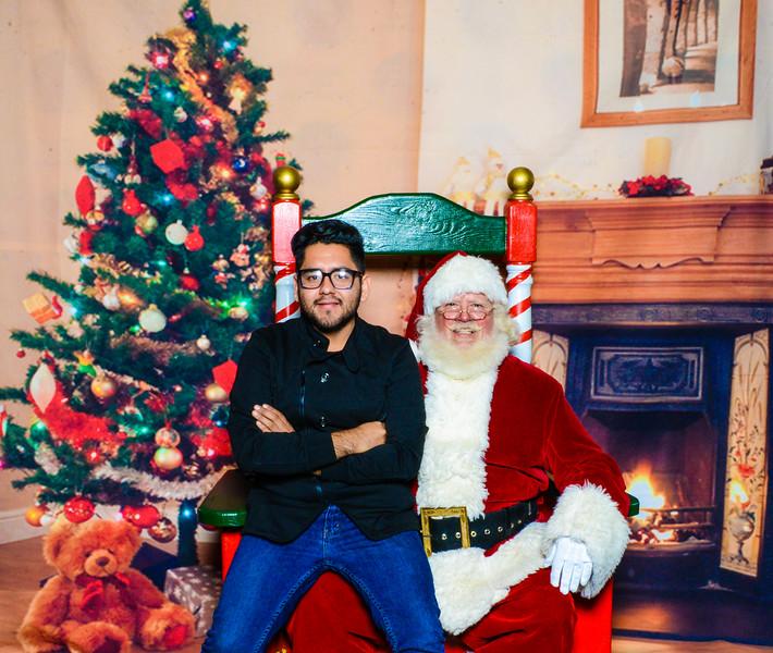 Santa Elmore 2016-12199.jpg