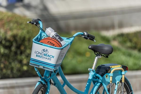 Bike share near the aquarium