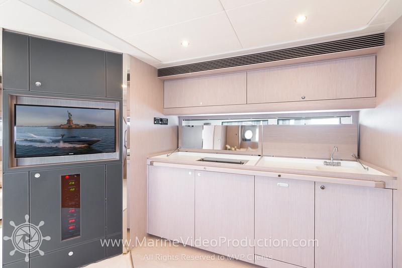 ISOLA Yacht_Interiors5.jpg