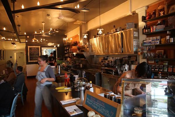 Cafes w/ sidewalk seating