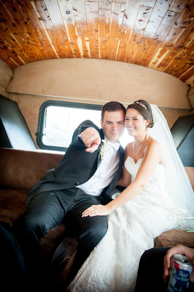 Big-woody-limousine-pike-place-market-seattle-wedding-photos-carol-harrold-photography-10-2.jpg