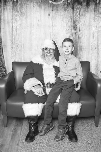 Ameriprise-Santa-Visit-181202-5083-BW.jpg