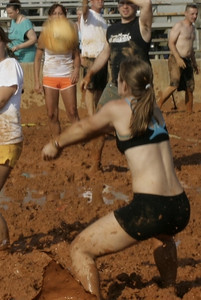 07.11.09: EFET Mud Volleyball Tournament - Play (Volley)ball!