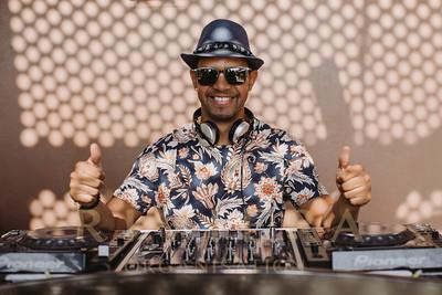 DJs & DJ Live