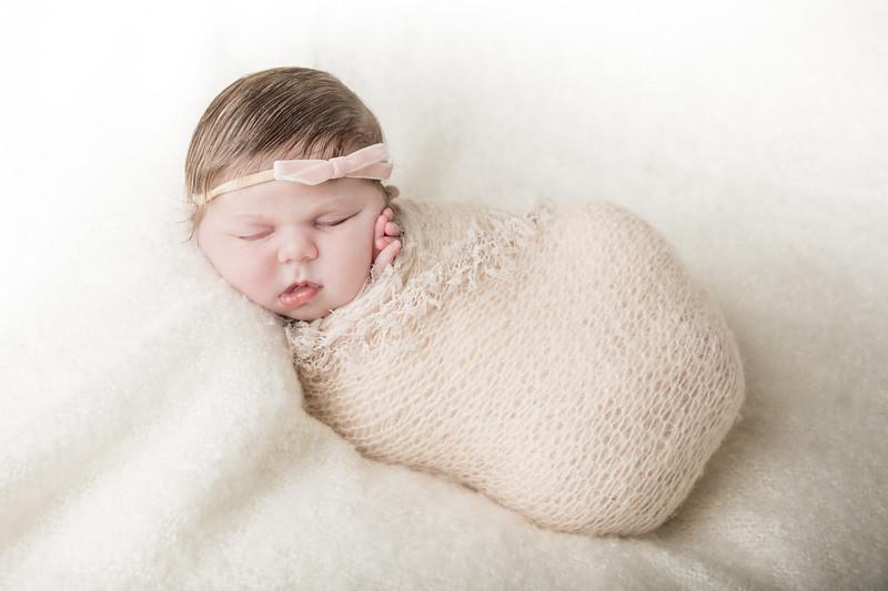 Rockford_newbornphotography_A_051.jpg
