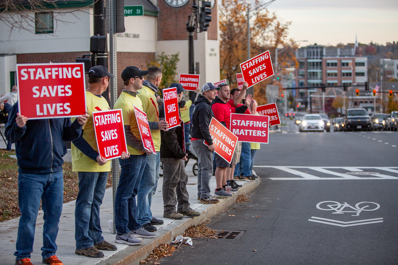 11-4-2019 Staffing Picket (95).jpg