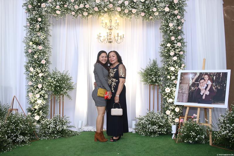 Vy-Cuong-wedding-instant-print-photo-booth-in-Bien-Hoa-Chup-hinh-lay-lien-Tiec-cuoi-tai-Bien-Hoa-WefieBox-Photobooth-Vietnam-116.jpg