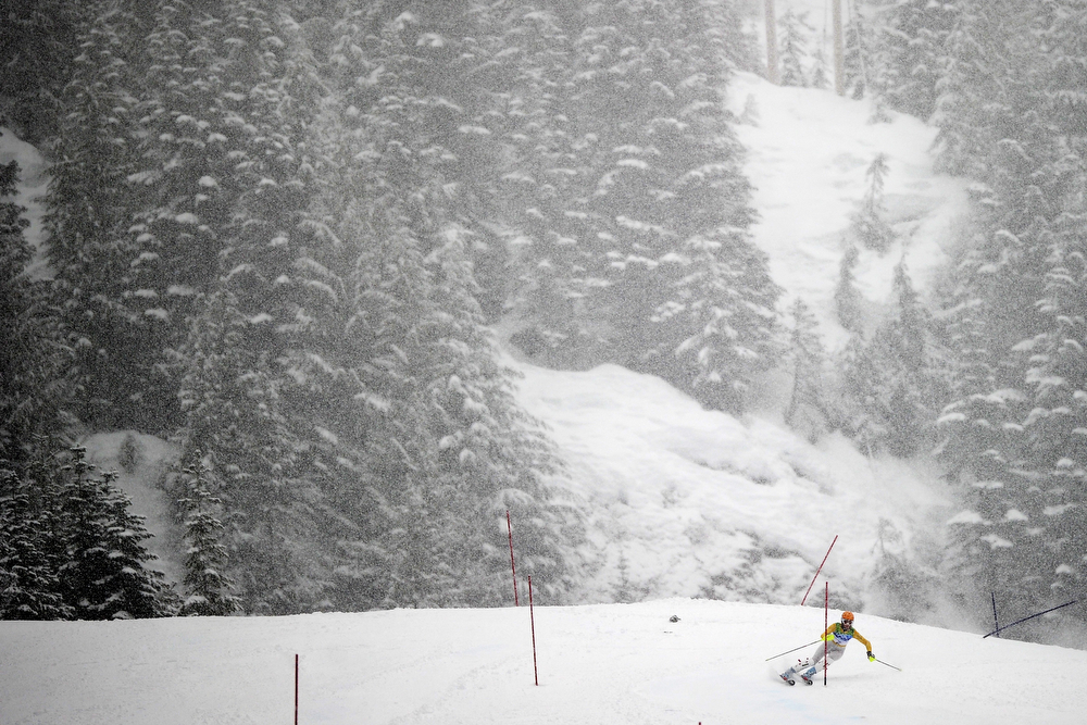 . Germany\'s Susanne Riesch skis under heavy snowfall during the women\'s slalom race of the Vancouver 2010 Winter Olympics at the Whistler Creek side Alpine skiing venue on February 26, 2010. (OLIVIER MORIN/AFP/Getty Images)