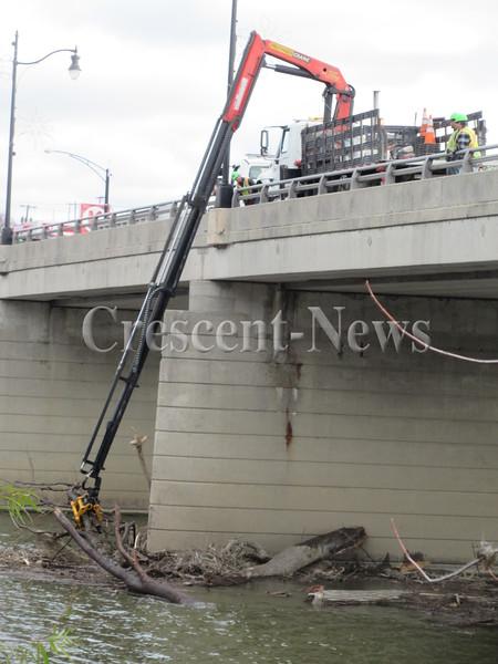 11-19-15 NEWS ODOT Bridge work